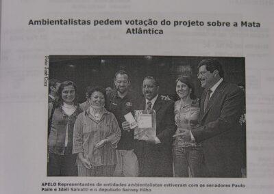 Pedido de aprovação da Lei da Mata Atlântica | Notícia de Jornal.