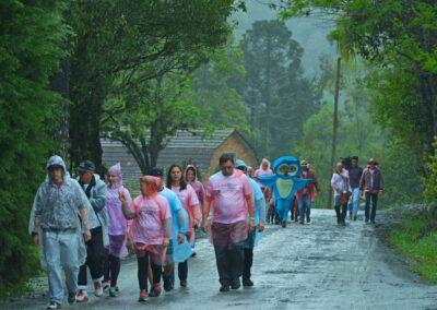 Mesmo com a chuva, a caminhada foi um sucesso. Foto: André Pessoa.