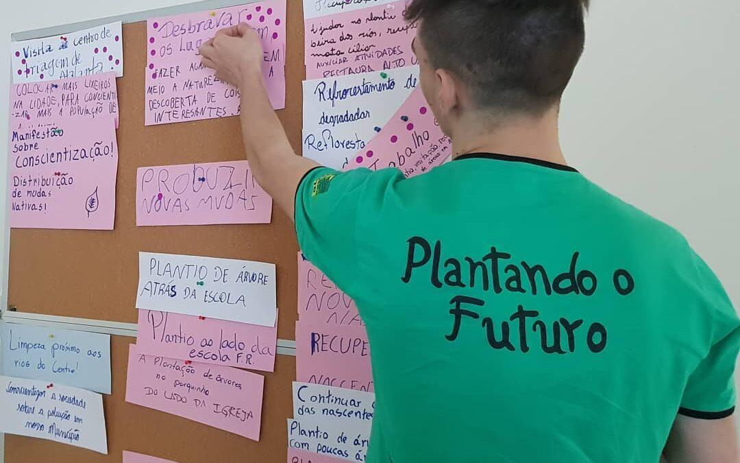 Grupo Plantando o Futuro se reúne para formação e planejamento