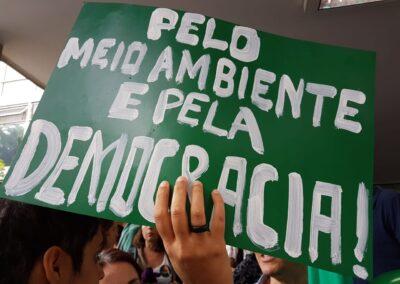 Manifestação na frente do Ministério do Meio Ambiente, em Brasília. Foto: Gabriela Schaffer.